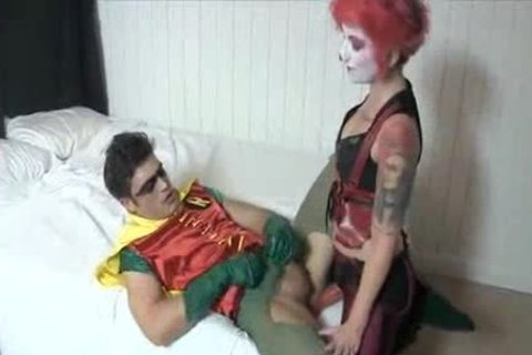 Harley Quin plows Robin