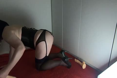 Sissy Crossdresser Lizzy Rides Double sextoy And leaks